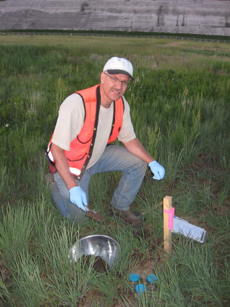 Wes Thompson is a professional geoscientist who specializes in environmental geology.